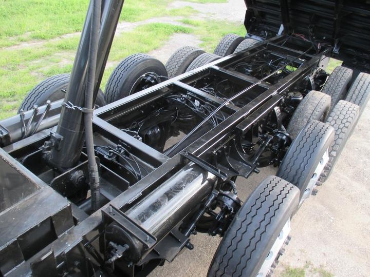 Six Axle Truck : Haul lane manufacturing inc peterbilt axle
